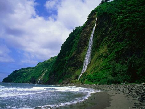 kaluahine_waterfall_waipio_valley_hamakua_coast_hawaii.jpg